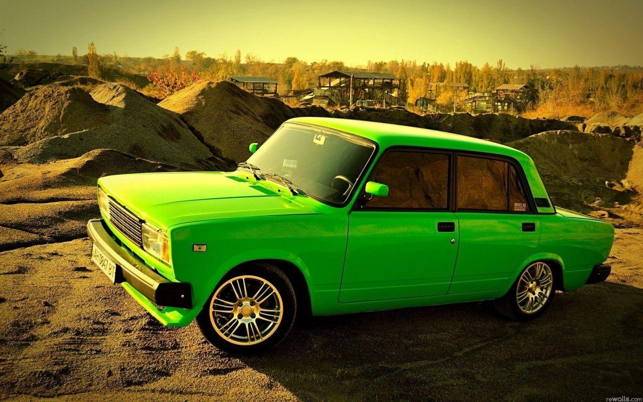 Download Old Model Green Car High Resolution Wallpaper 1280x800