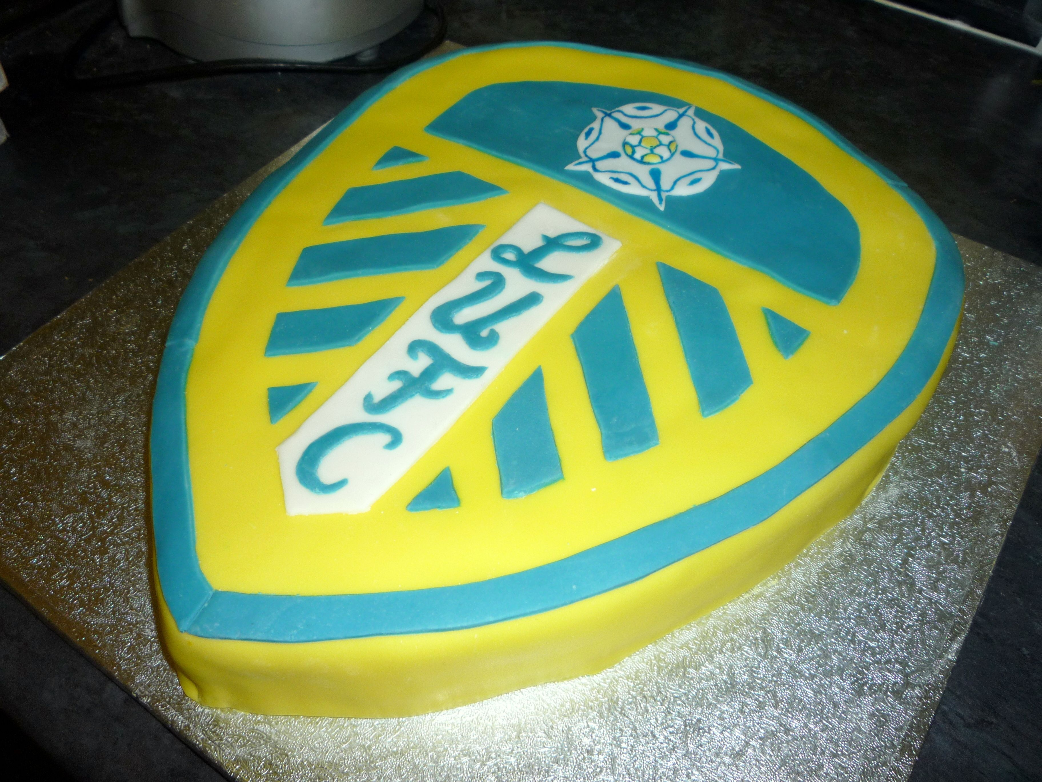 Leeds United Football Cake Copied best I could from the LUFC logo