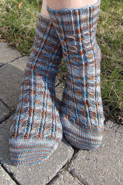 Photo of Machte dieses Muster, um einige meiner vielen mehrfarbigen Stränge zu verbrauchen, die ich … – Knitting 2019 trend | ml