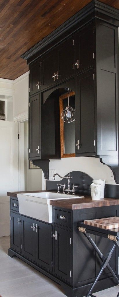 amusing black farmhouse kitchen | Amazing farmhouse kitchen - love the dramatic black ...