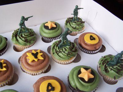 Army cupcakes - do not look cheesy for the boys ... Cool Cupcakes For Boys