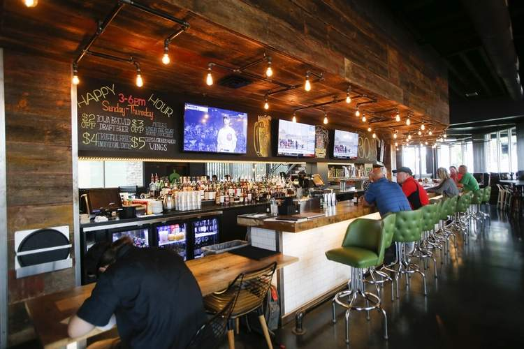 Sports Bars With Outdoor Seating