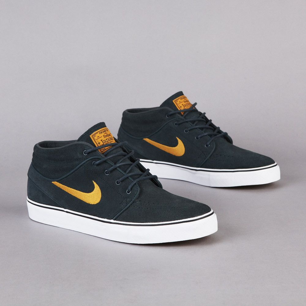 gold nike trainers 100 thousand dollers