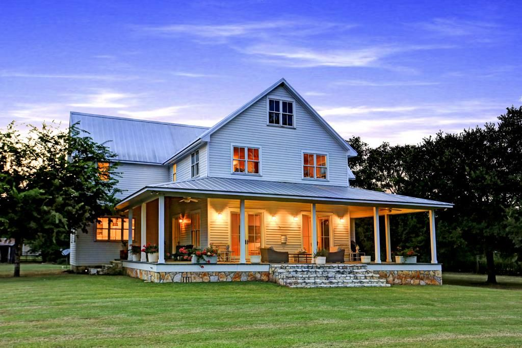 Dream farmhouse texas farmhouses modern farmhouse - Rustic modern farmhouse exterior ...