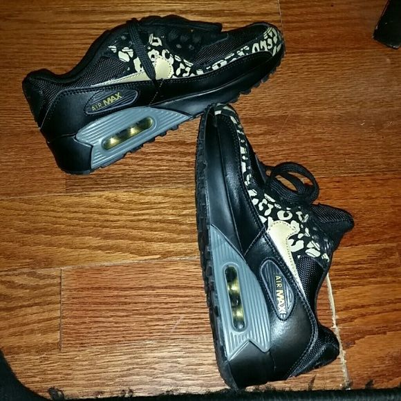 sports shoes 89eef 5f8f3 Women s Air Max Cheetah Print sz 6.5, black, gold and dark smoke gray Nike  Shoes Sneakers