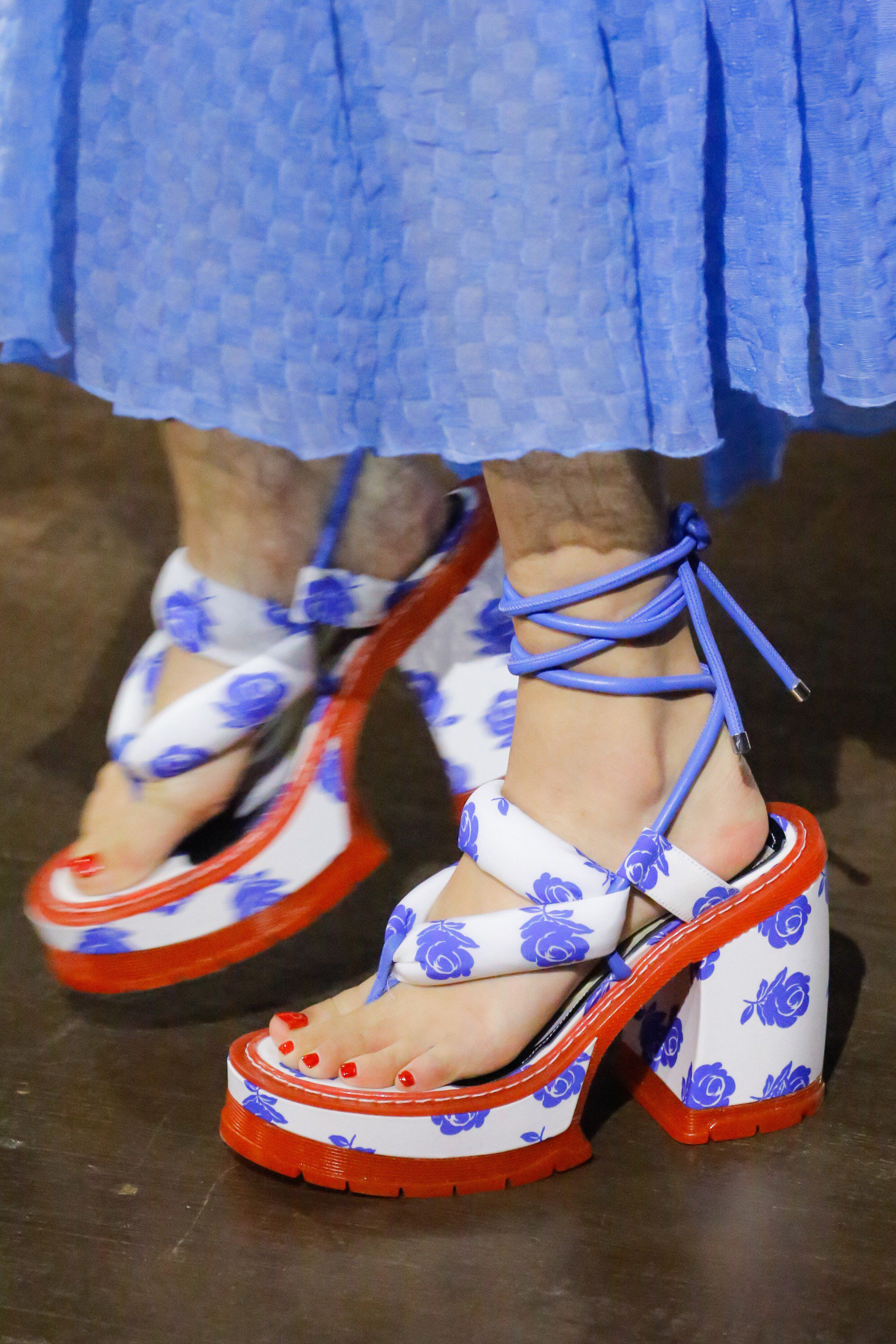 53348509e02 Kenzo Spring 2019 Ready-to-Wear | STYLE. in 2019 | Shoes, Fashion ...