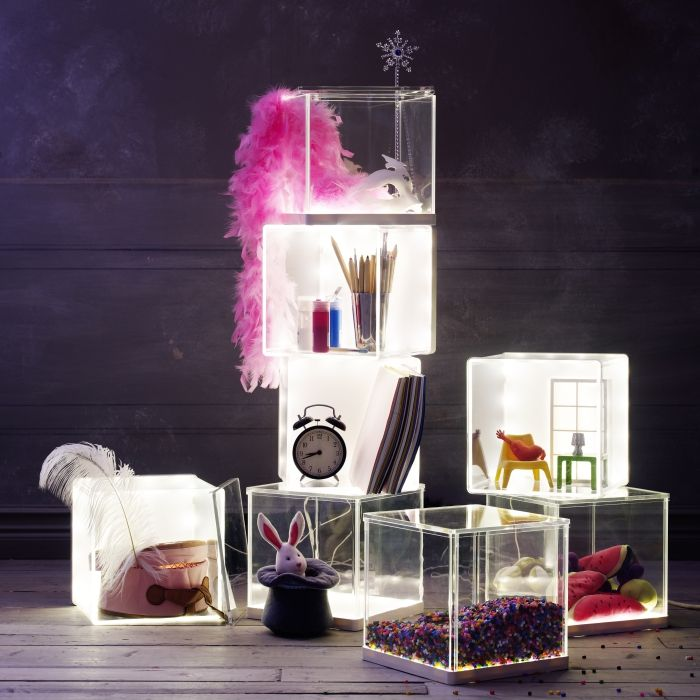 The SYNAS LED light box helps kids showcase their art creations, collections or favorite belongings.