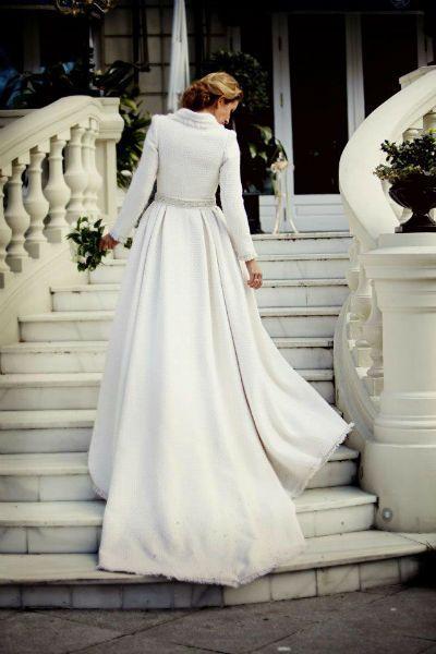 lorenzo caprile | weddings | vestidos de novia de invierno, abrigo