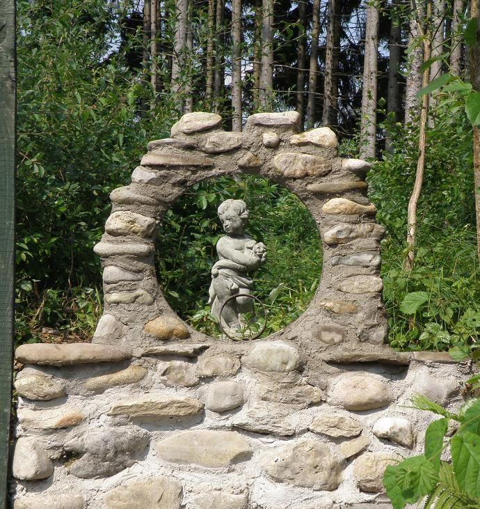 spielerei mit feldsteinen (690×731) | outdoor | pinterest, Gartenarbeit ideen