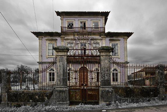A Casa do Professor, ou Quinta do Parreira, foi buscar o seu nome a