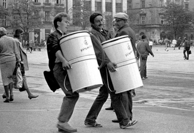 Wspomnienia Z Prlu Z Lezka I Z Humorem Strona 30 Klub Senior Cafe Photo Nostalgia Hard Hat