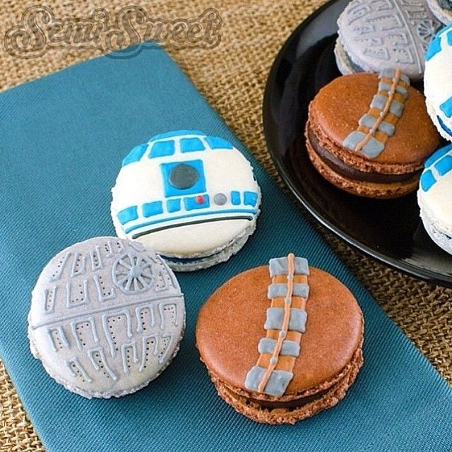 These #StarWars #macarons by @semisweetmike are out of this world! #MaytheFourthBeWithYou