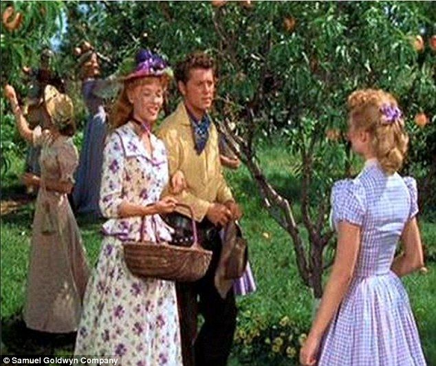 Oklahoma! star Barbara Lawrence dies at the age of 83 ...