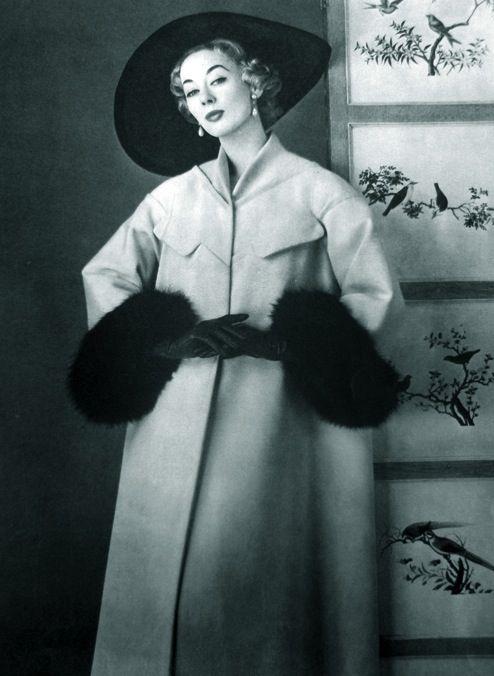 La Femme Chic 1956 Jeanne Paquin