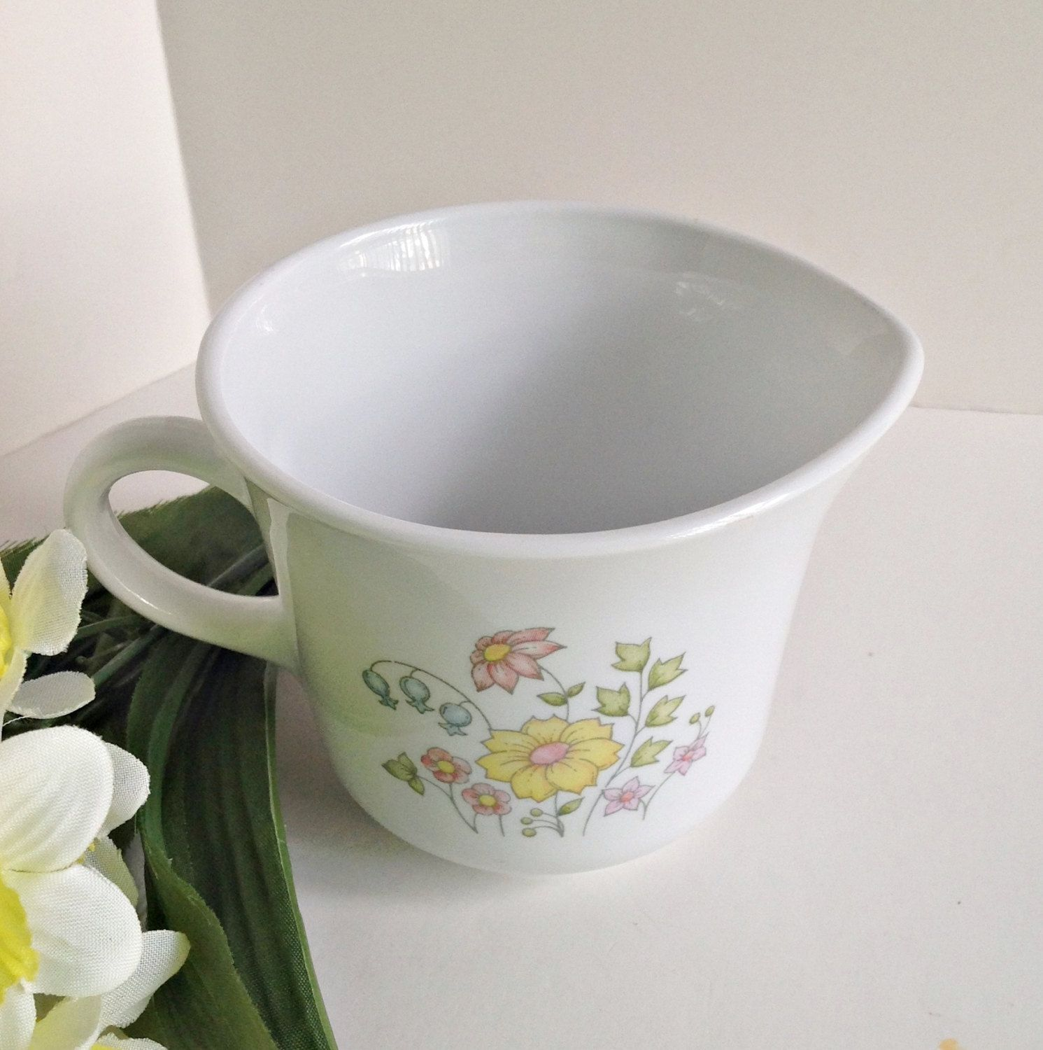 Vintage Corelle Meadow Creamer – White with Pastel Flowers ...