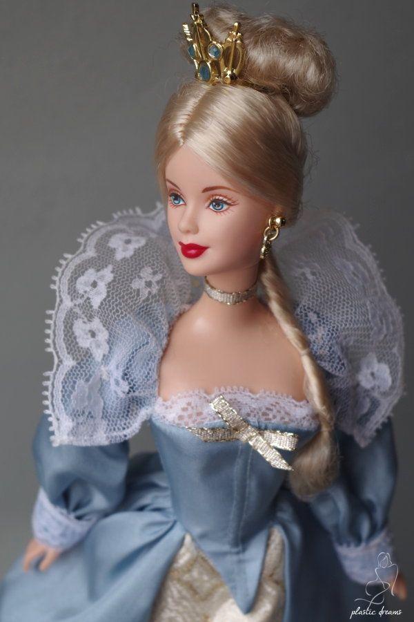8ca69f42d47 Princess of the Danish Court Robe Barbie, Poupée Barbie, Poupées Barbie  Princesse, Robe