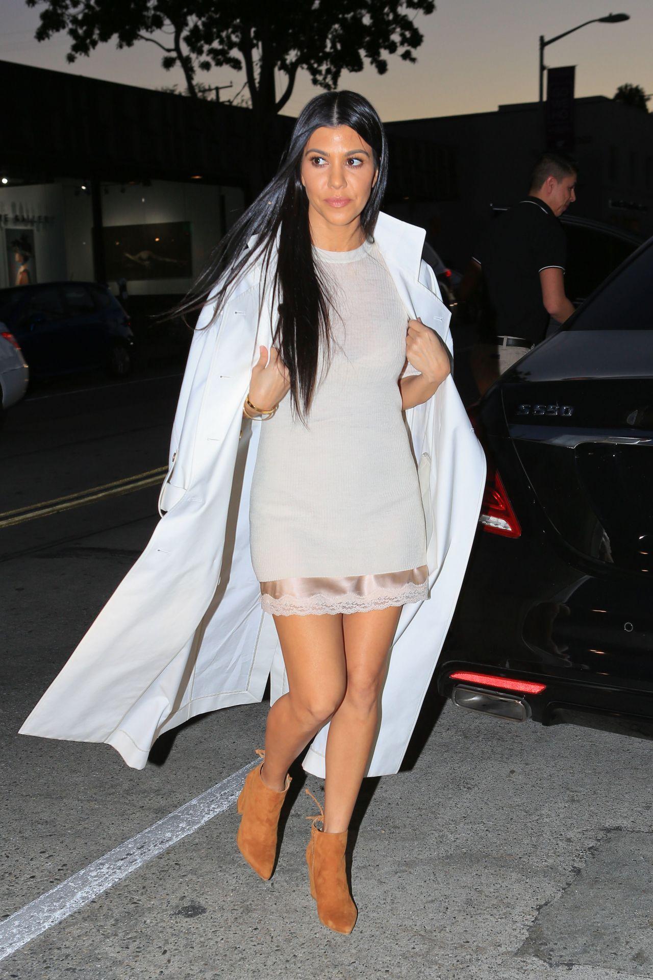 kourtney-kardashian-style-out-in-los-angeles-ca-2-24-2016-3.jpg ...