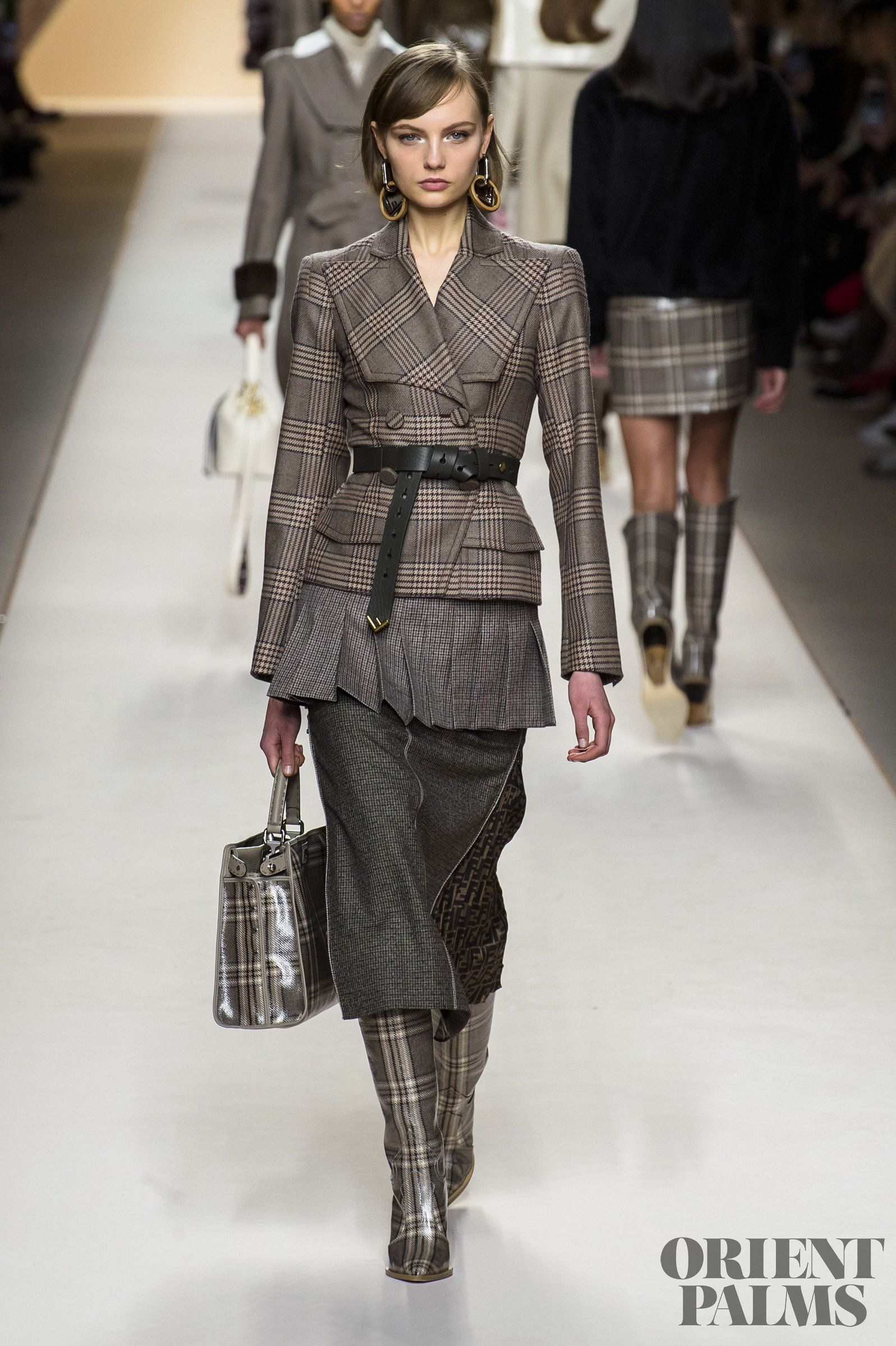 Fendi Fall-winter 2018-2019 - Ready-to-Wear | Casual ...
