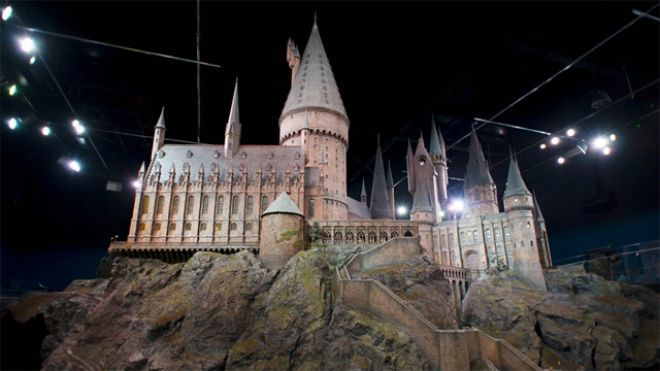 Harry Potter Tour Gives A Close Up View Of The Wizardry Of Hogwarts Hogwarts Castle Harry Potter Tour Harry Potter Studio Tour