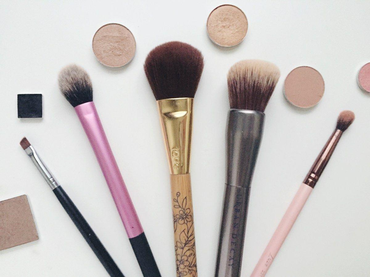 Good Makeup Brushes Make Such A Huge Difference In Makeup Application Makeup Brushes Makeup Best Makeup Brushes