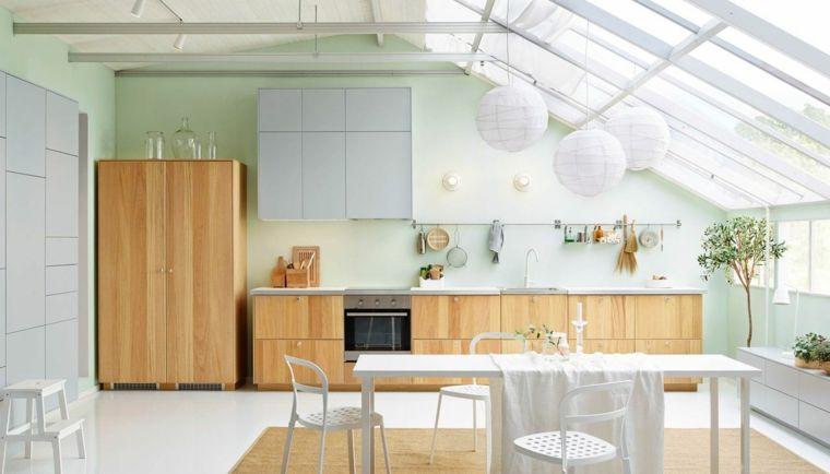 Mobili In Legno Bianco : Cucina lineare mobili legno chiaro bianco tavolo bianco soffitto