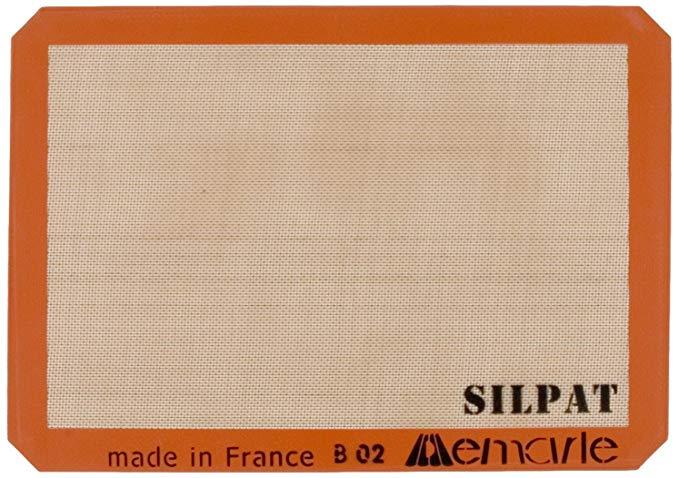 Amazon Com Silpat Premium Non Stick Silicone Baking Mat Half Sheet Size 11 5 8 X 16 1 2 Kitchen Dining Silicone Baking Baking Mat Silicone Baking Mat