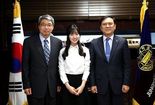 탤런트 진세연양(SBS드라마 닥터이방인), 안병환 총장 예방