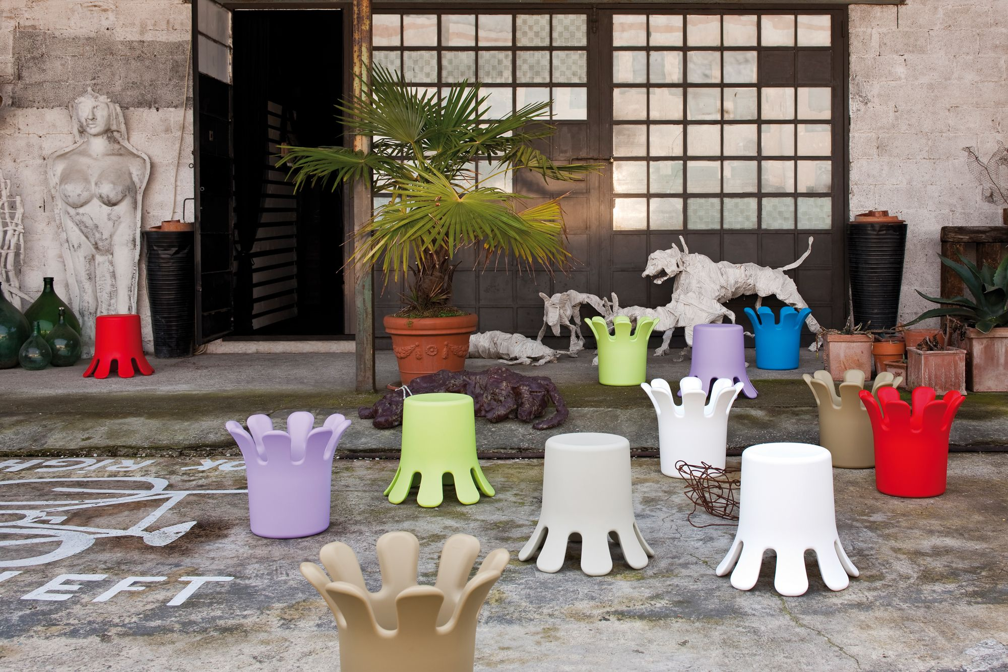 is a stool whose design is inspired by a raindrop falling to the ground. In rotomoulded polyethylene, for indoors and outdoors. A design of Kristian Aus, 2010.