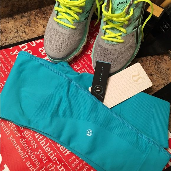 LULULEMON Tiffany Blue workout leggings Stunning turquoise color lulu tight fit workout pants. These size 4 (xs) high rise yoga crops are engineered with zoned compression to keep you feeling held in & supported in all the right places while you work out! made with lightweight four way stretch fabric in seamless construction! No dig in waist band!tight fitted leggings. Please feel free to make a reasonable offer using the OFFER BUTTON✅ please be mindful of the 20% fees. Bundle to save even…