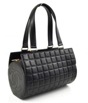 69629f8e0ec3  1695 Chanel Black Chocolate Bar Quilted Leather Barrel Bag Handbag ...