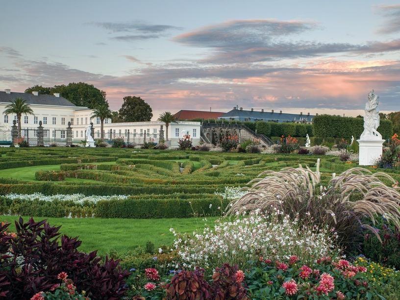 Hannover Herrenhauser Garten Royal Garden Grosses Parterrre Und Schloss Im Spatsommer Hannover Herrenhauser Garten Luxus Wohnung Hannover