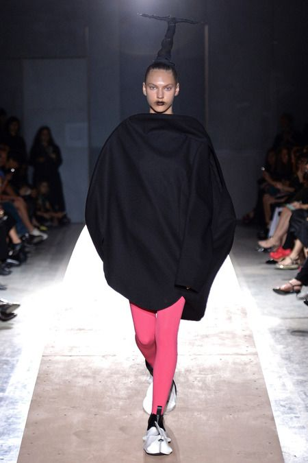 Comme des Garçons | Spring 2014 Ready-to-Wear Collection | Style.com