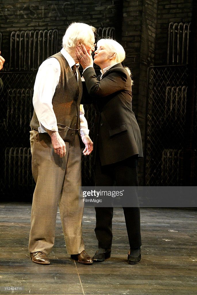 Paul Newman With Wife Joanne Woodward Takes His Emotional Final Click To See More Joanne Woodward Paul Newman Joanne Woodward Paul Newman