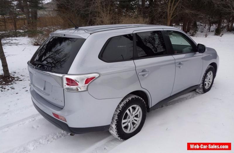 Mitsubishi Outlander ES Sport Utility 4Door mitsubishi