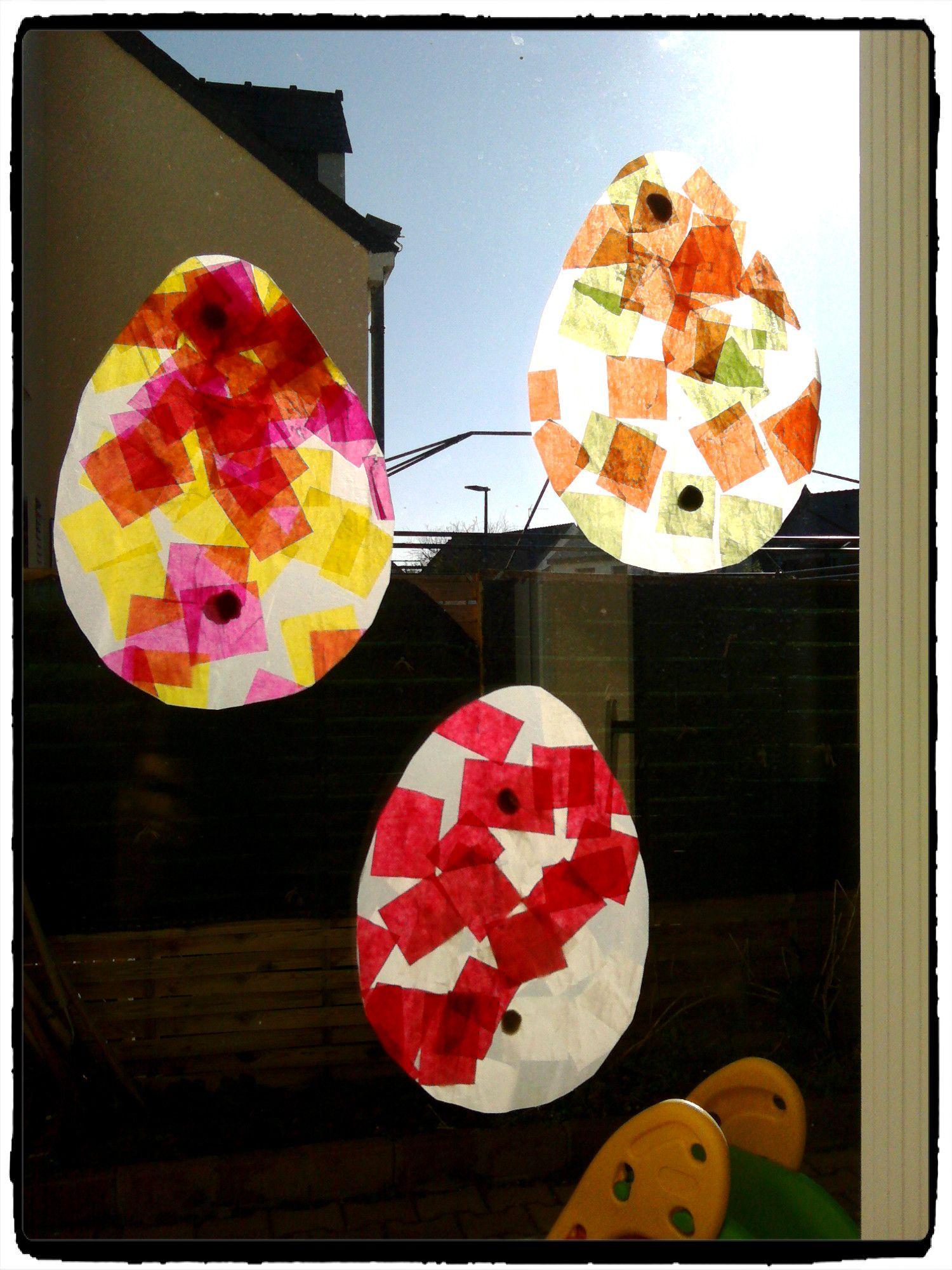 bricolage de paques, attrapes soleil en oeufs de paques, collage papier, bricolage enfant