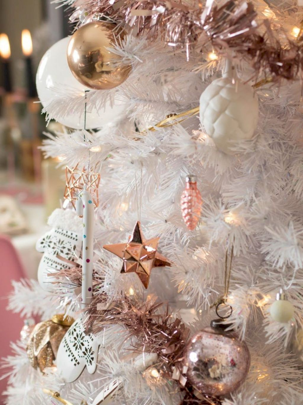 70 Awesome Christmas Apartment Decorating Ideas On A Budget Rose Gold Christmas Rose Gold Christmas Tree Christmas Apartment