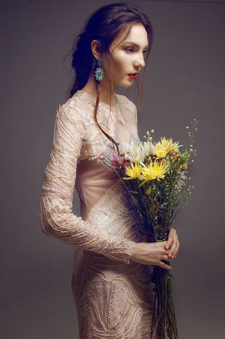 Mis Queridas Fashionistas: Wall Flower by Jerby Tebelin (An imaginary garden)