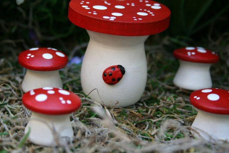 Fairy Garden Furniture - 5 Piece Mushroom Table & Chairs Set | Fairy ...