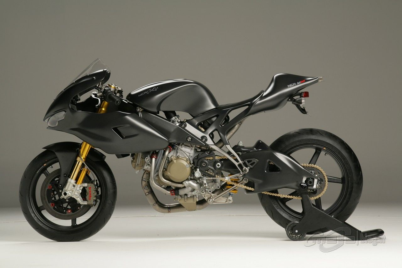 Ducati ST2 cafe fighter (Streetmonsters)