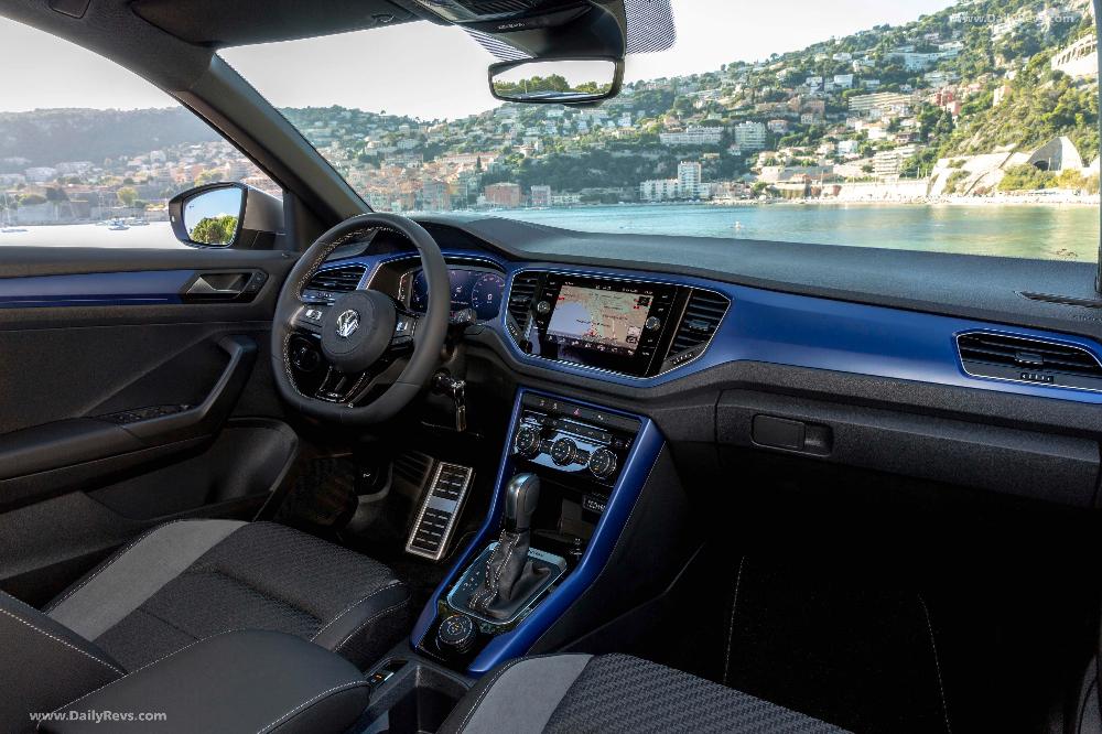 2020 Volkswagen T Roc R Hq Pictures Specs Information Videos In 2020 Volkswagen Volkswagen Passat Black Radiators