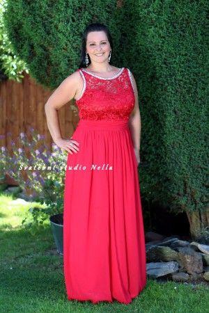 Červené dlouhé plesové společenské šaty. Ceny na www.svatebninella.cz   plesovéšaty a729ae3f7a