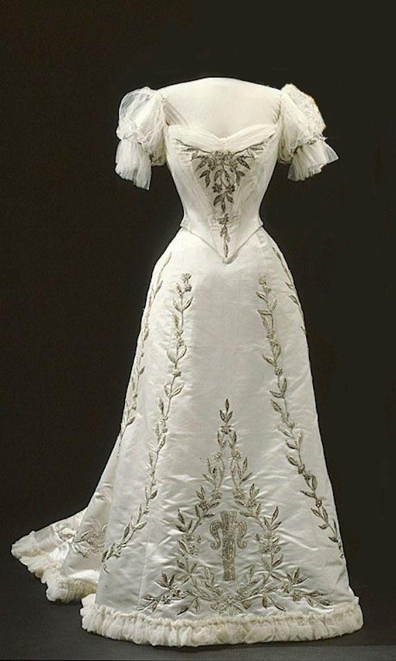 Victoria Evening Dresses