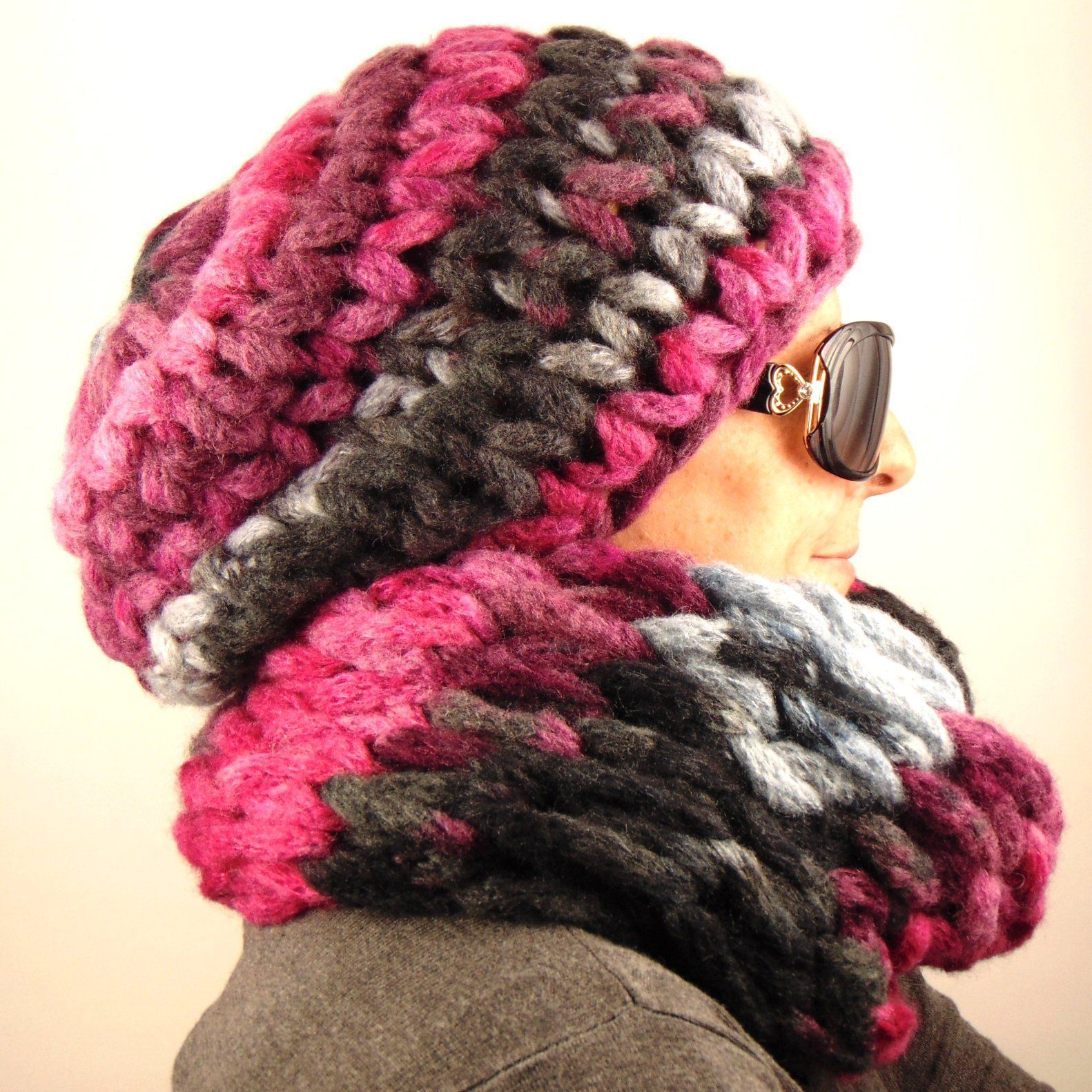 93b9ba6972e Chunky knitted infinity scarf hat set