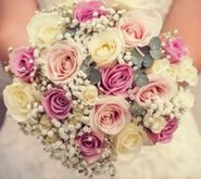 Save money when you order seasonal wedding flowers for your wedding. Here's our handy list of flowers by their season.