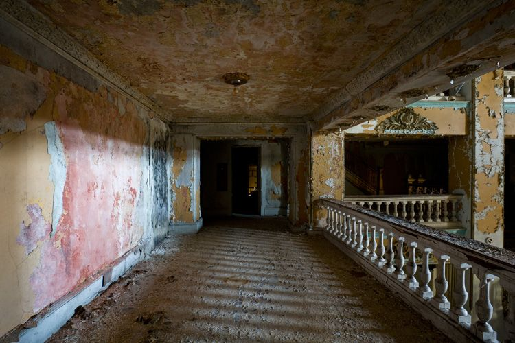 Abandoned Buildings. (The Waldo Hotel. Clarksburg, West