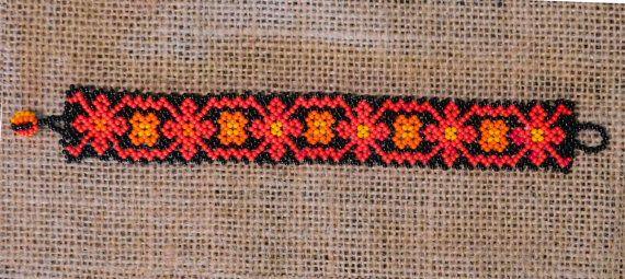 Intrincado Peyote colorida pulsera de por TheArtisanalHipster