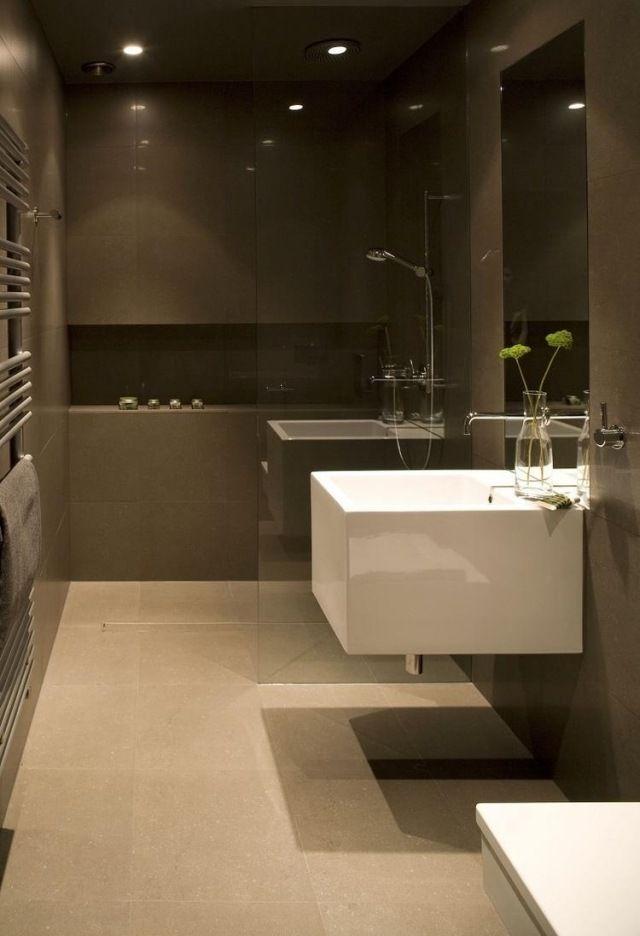 kleine badezimmer ideen duche glaswand wandnische regal Duschen