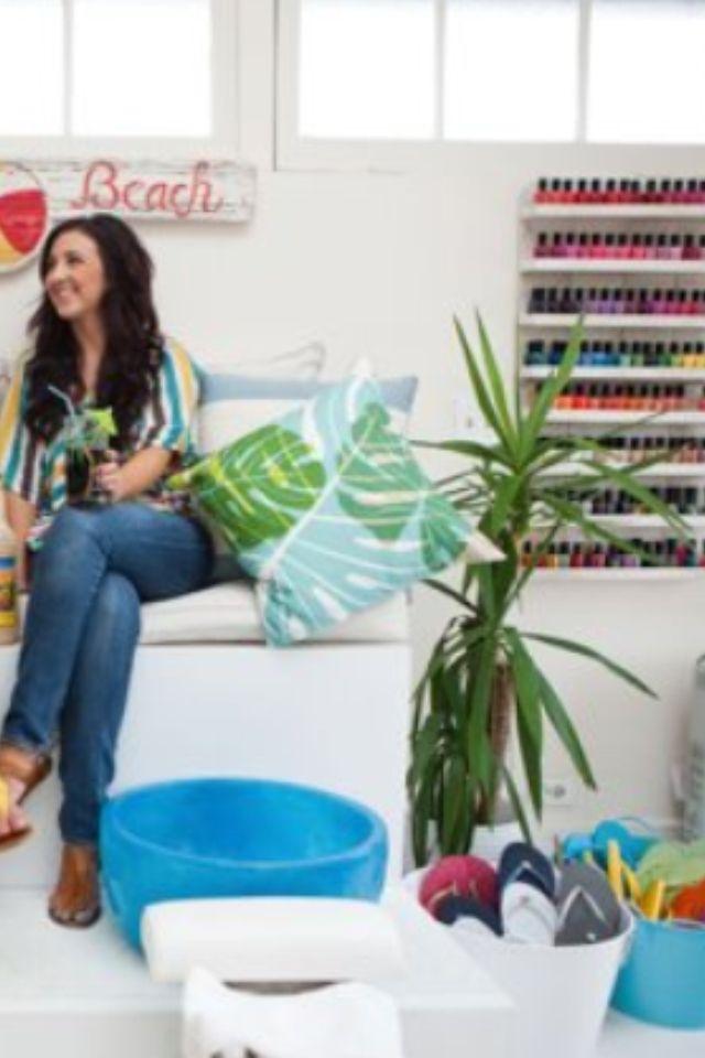 Salon ideas | Nail salon | Pinterest | Salón, Estudio de maquillaje ...