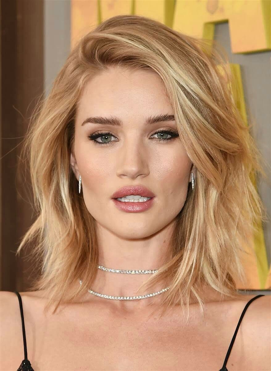 Rosie Huntington Whiteley Hairstyle For Thin Hair Lob With Light Layers