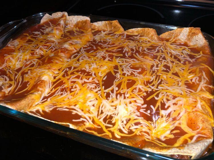 Easy Cheesy Beef Enchiladas 4 Ingredients 10 Minutes In 2020 Easy Cheesy Beef Enchiladas Enchilada Ingredients